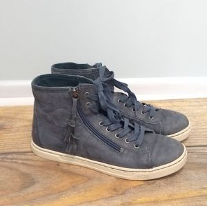 Ugg Blaney tassled hi top sneaker gray EUC 9